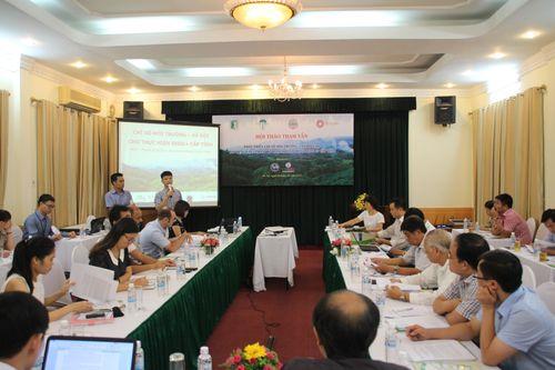 Mr Nguyen Viet Dung, Deputy Director of PanNature presents at the workshop. (Photo: PanNature)