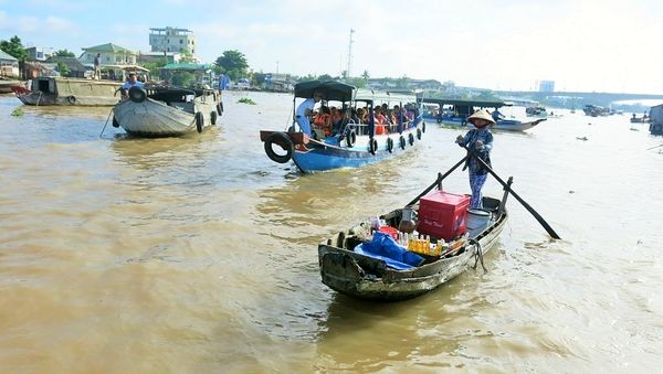 Communities in the Mekong Delta rely on thewaterfor farming, fishing, trade and daily life (Credit: The Mekong Eye)
